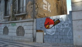 angry-birds-street-art-outdoor-publico-ambient-guerilla-marketing-tbwa-lisbonne-lisboa-3-600x39-22