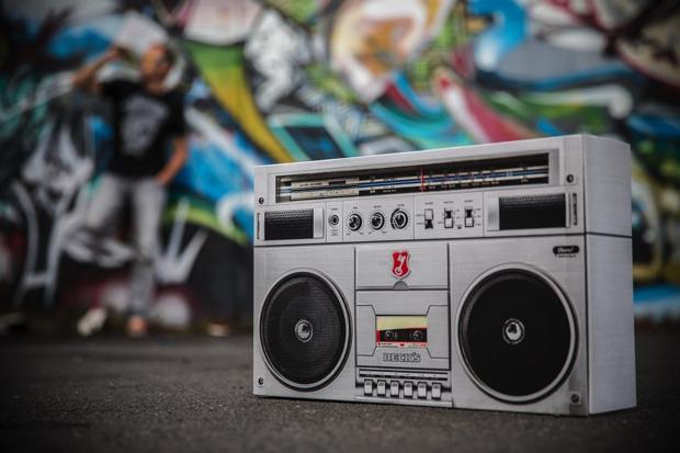 becks-radio-packaging00