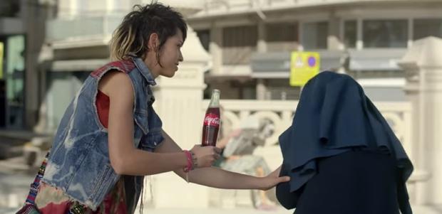 coca-cola-generous-world01