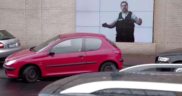 fiat-park-assist-billboard-0001