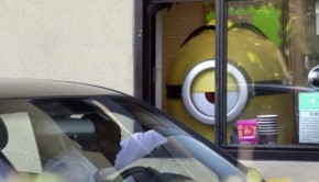 Un Minion sorprende a los consumidores de un McAuto en Estados Unidos