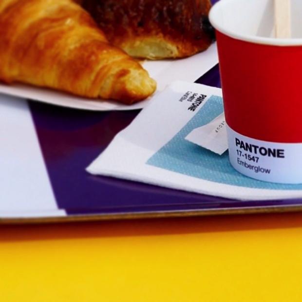 pantone-cafe03