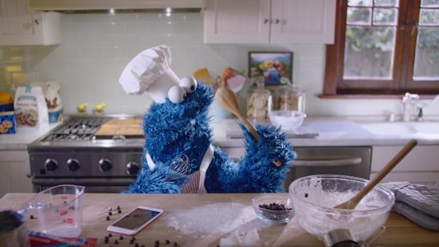 cookie-monster-hey-siri